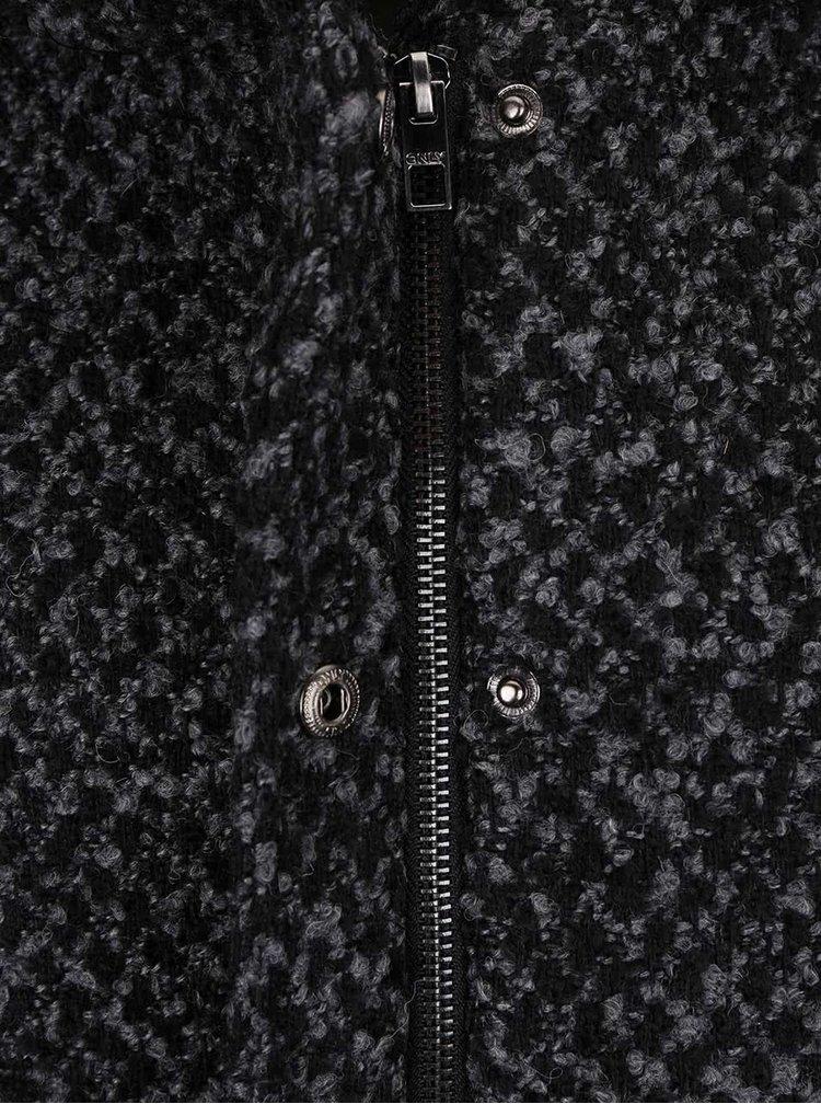 Černo-šedý žíhaný kabát s kapucí ONLY New Indie