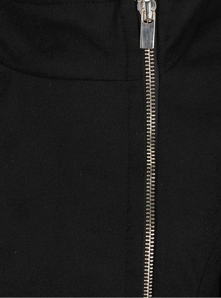 Černý kabát se zipem ve stříbrné barvě VERO MODA Veraliga
