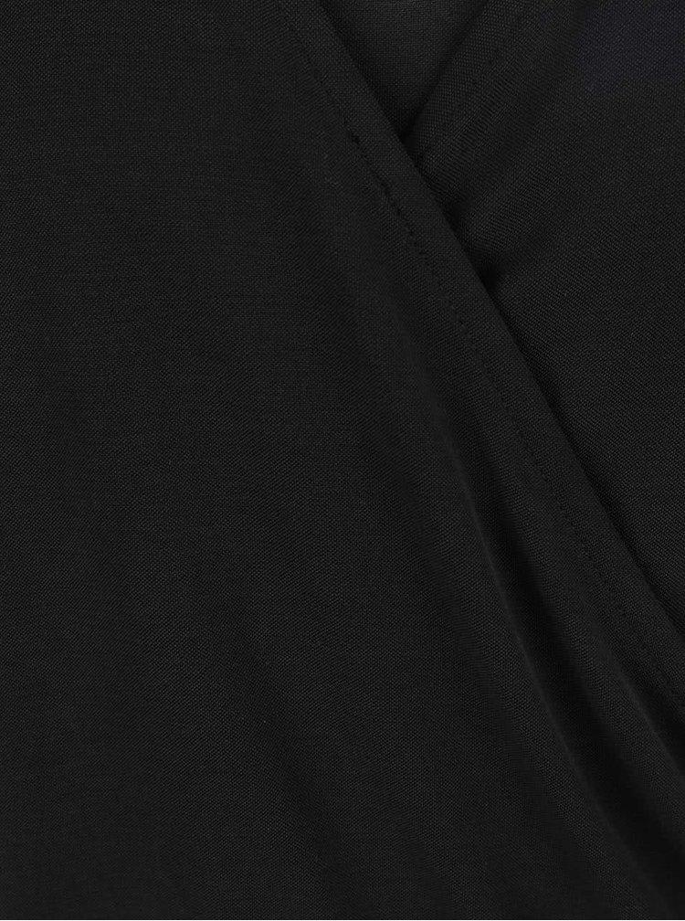 Rochie neagră VILA Several cu decolteu suprapus