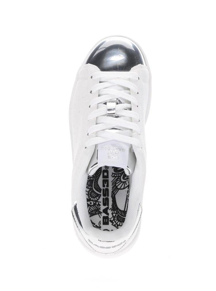 Bílé dámské tenisky s lesklými detaily ve stříbrné barvě Bassed