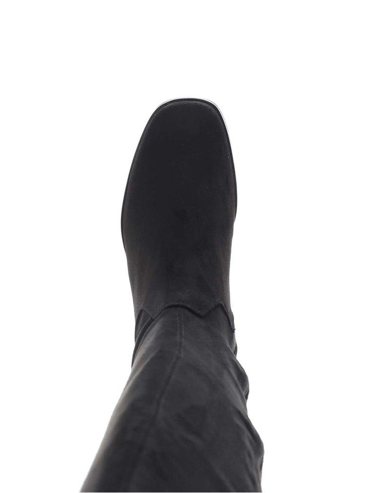 Černé vysoké  kozačky na podpatku v semišové úpravě Tamaris