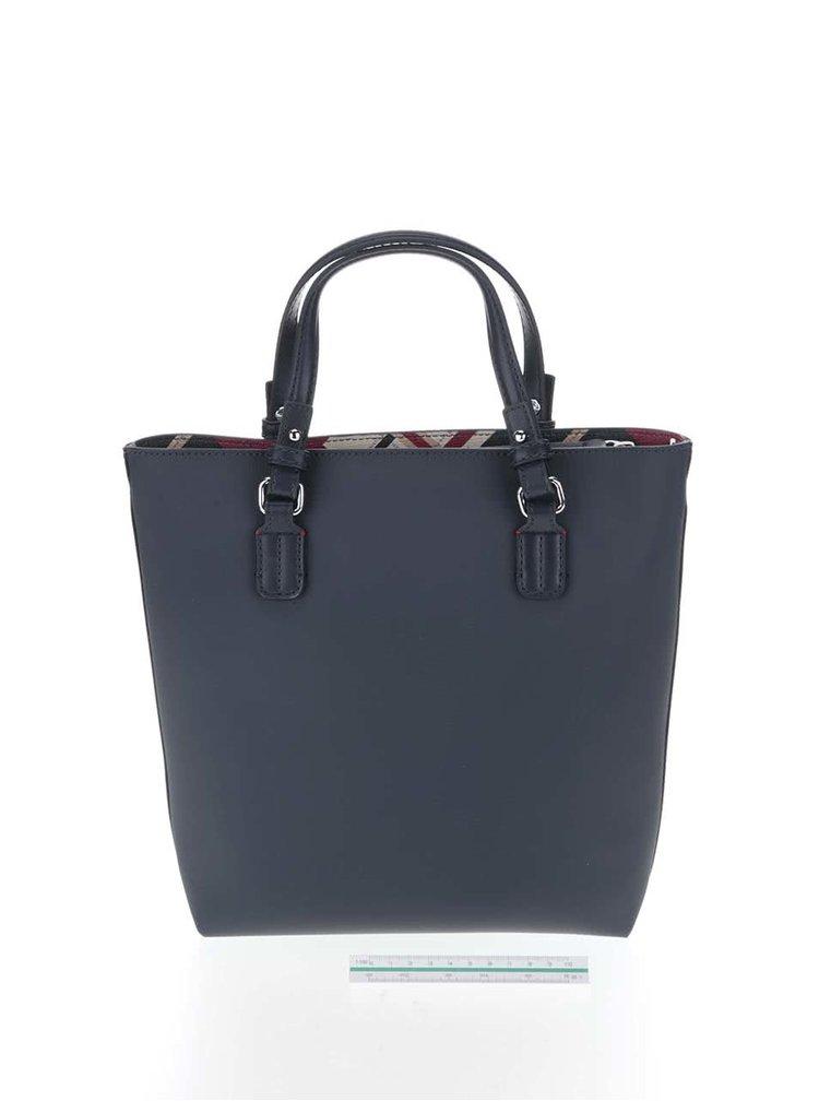 Tmavě modrá kabelka s červeným pouzdrem Tommy Hilfiger
