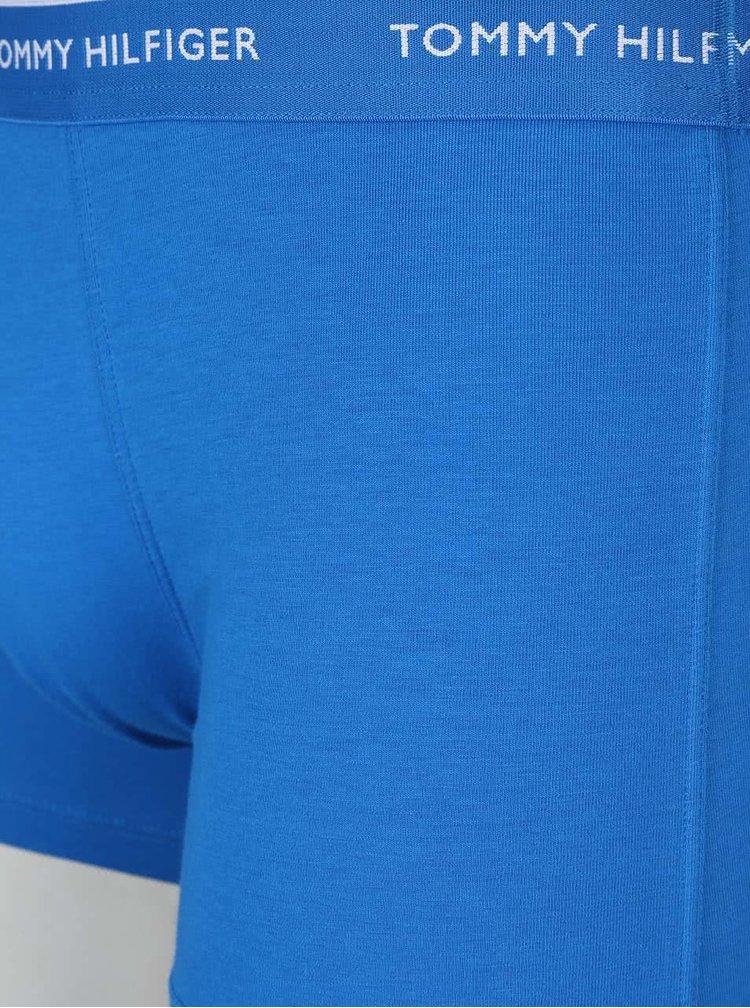 Sada tří boxerek v tmavě modré, světle modré a červené barvě Tommy Hilfiger