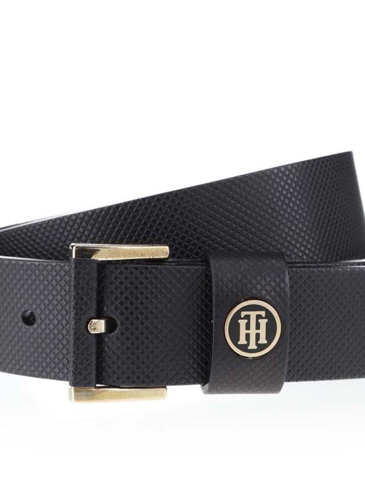 Černý kožený dámský pásek s klasickou sponou Tommy Hilfiger