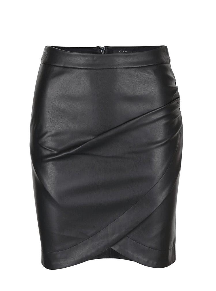 Čierna koženková sukňa s prekladanou prednou vrstvou VILA Overlap