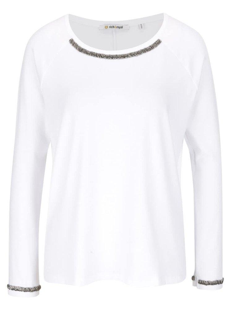 Biely top s aplikáciou v striebornej farbe Rich & Royal