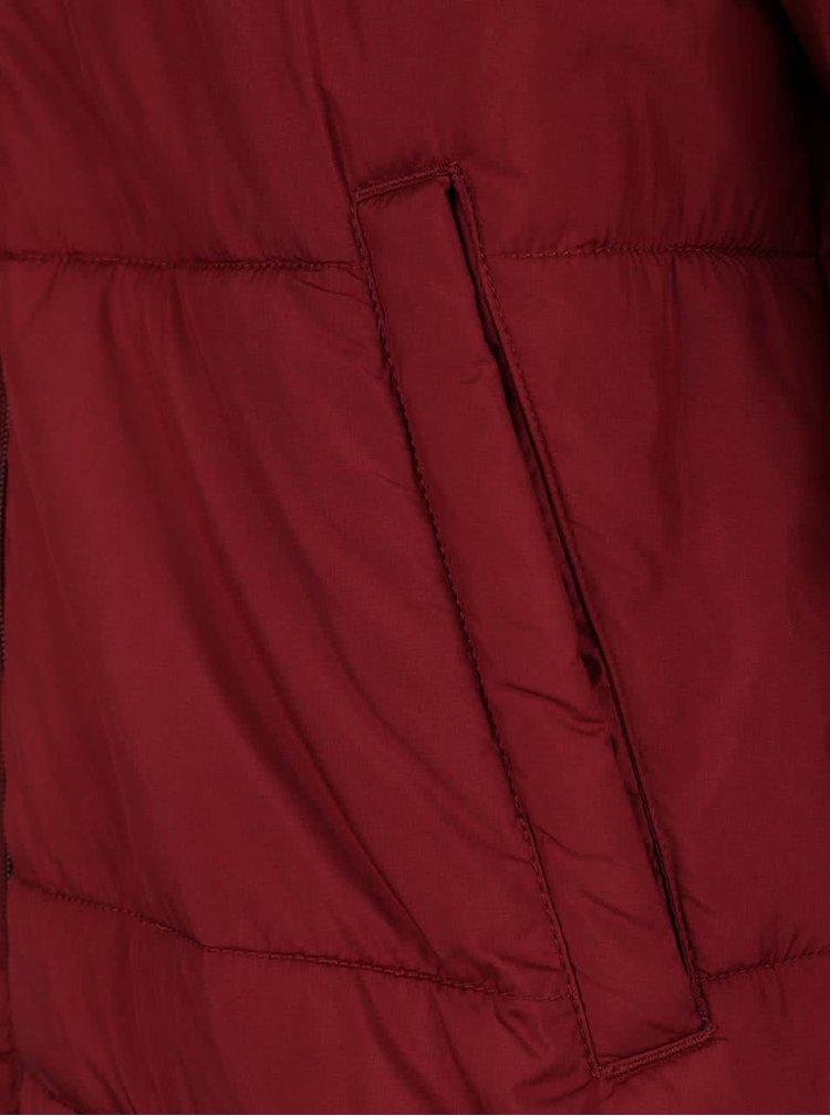 Vínová prošívaná bunda s kapucí Jack & Jones Bomb
