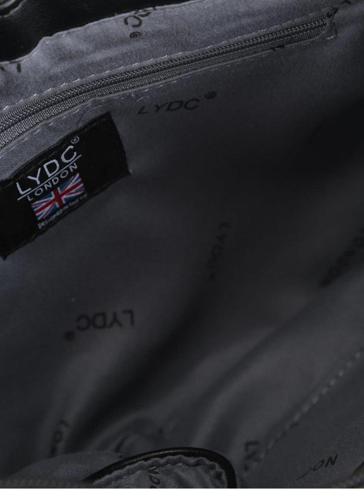 Černé psaníčko s růžovou metalickou klopou LYDC