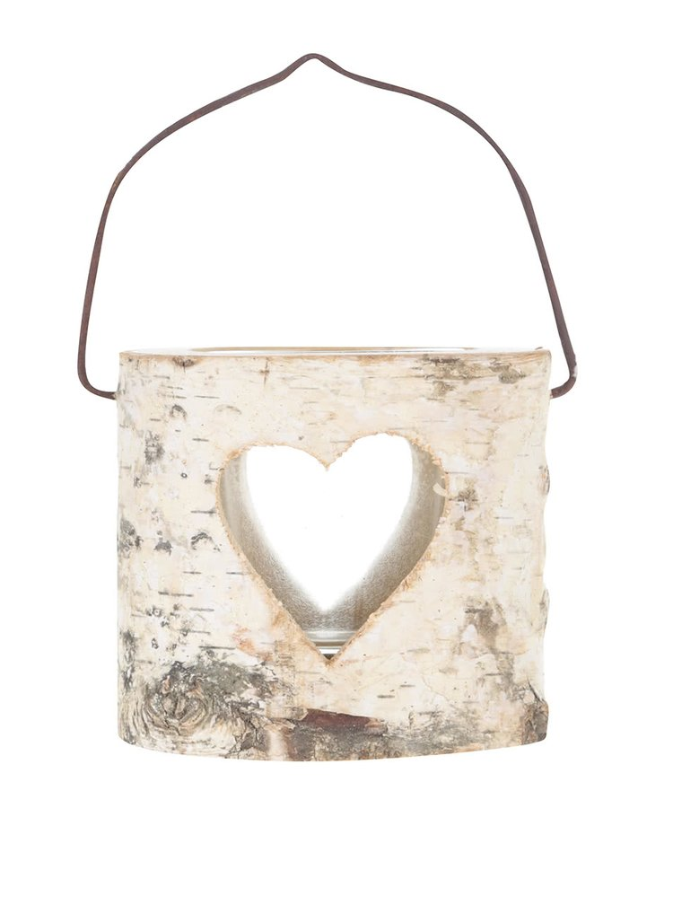 Dřevěný svícen s vyřezávaným srdcem Sass & Belle