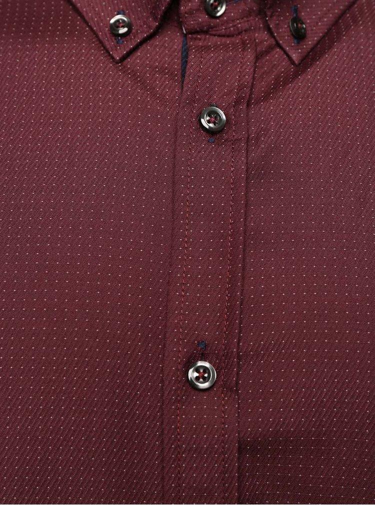 Vínová košile s jemným vzorem Burton Menswear London