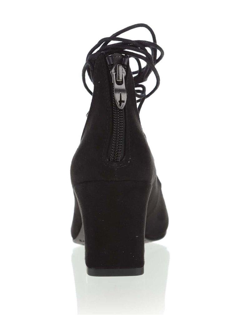 Černé boty se šněrováním v semišové úpravě Tamaris