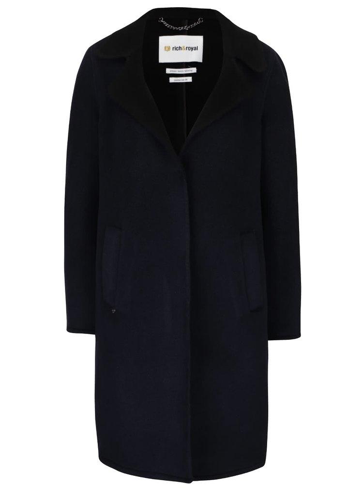 Tmavě modrý kabát Rich & Royal