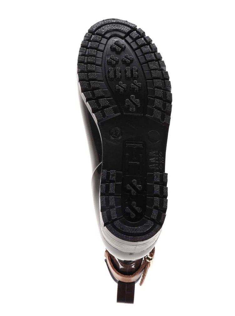 Hnědo-černé dámské gumové chelsea boty s přezkou ve zlaté barvě Tommy Hilfiger