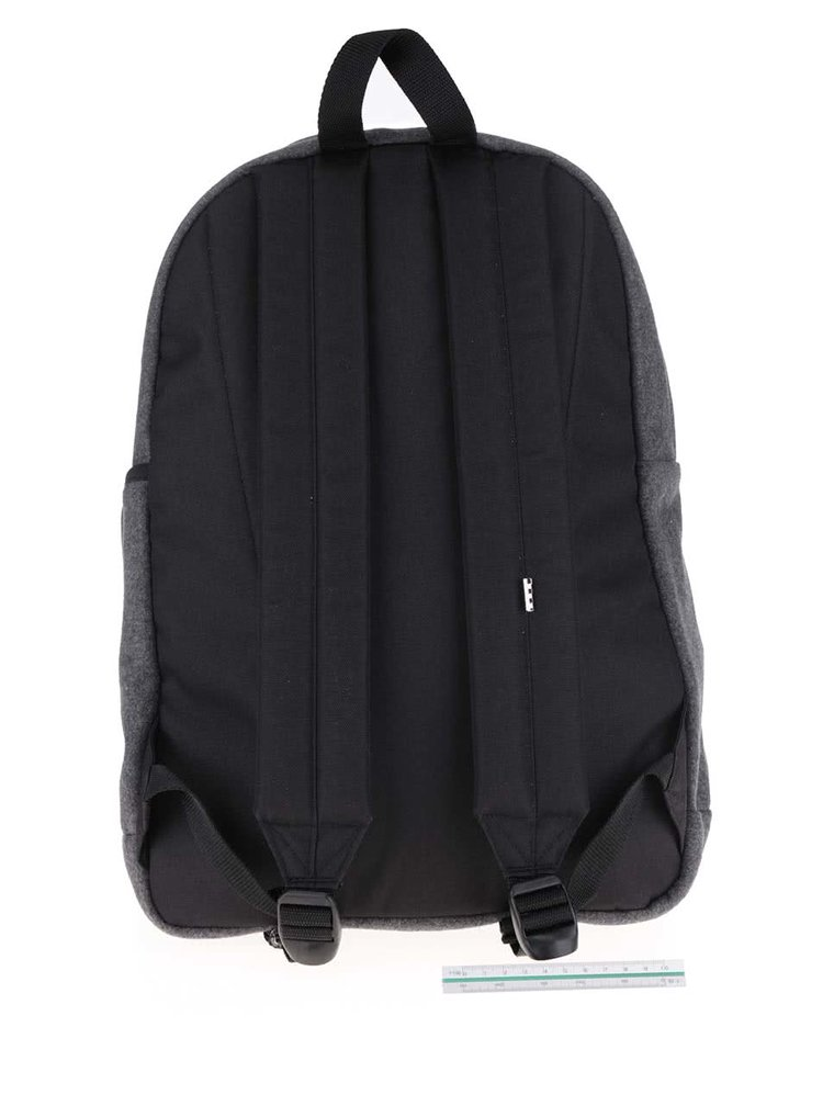 Tmavosivý batoh s nápisom Vans Quad