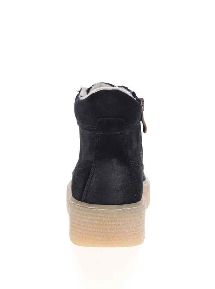 Černé semišové kotníkové tenisky na platformě Tamaris