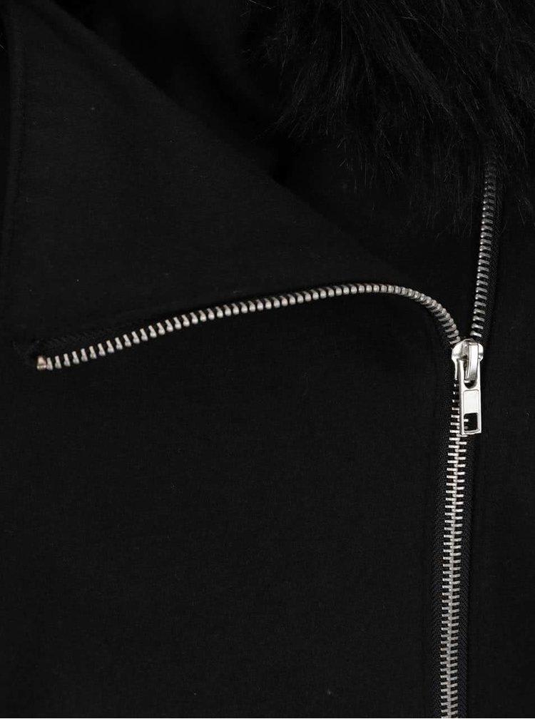 Černý kabát s límcem z umělé kožešiny AX paris