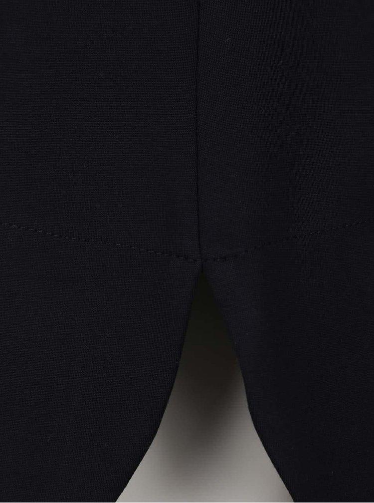 Čierne šaty so stojáčikom a 3/4 rukávmi Closet