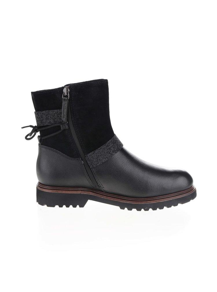 Černé kožené zimní boty s ozdobnými pásy Tamaris
