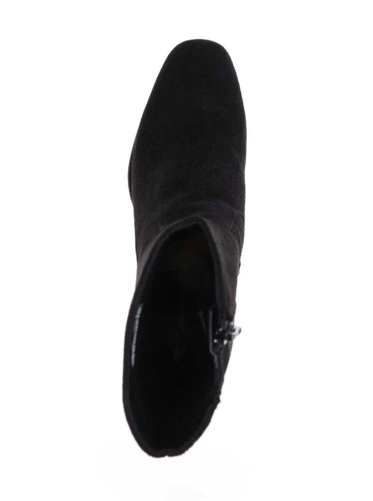 Černé semišové boty na podpatku Tamaris