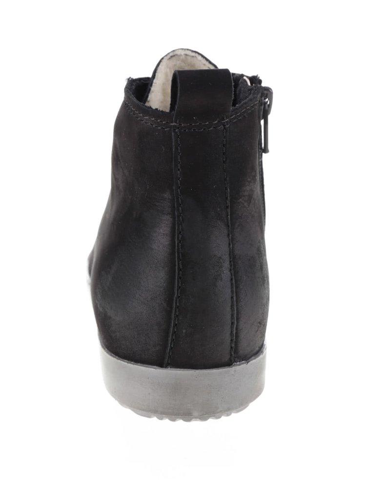 Černé semišové kotníkové tenisky s umělým kožíškem Tamaris