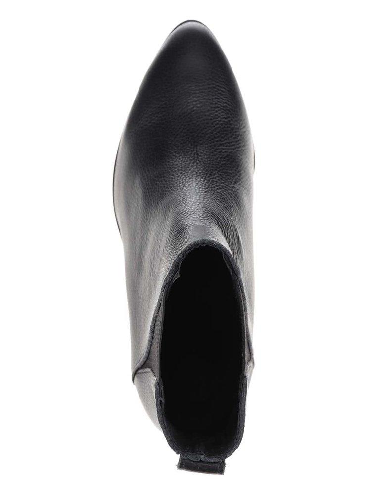 Čierne chelsea členkové topánky Pieces Drina