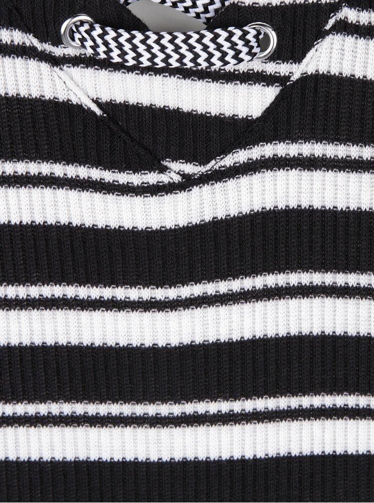 Čierne úpletové šaty so šnurovaním v dekolte VERO MODA Seduno