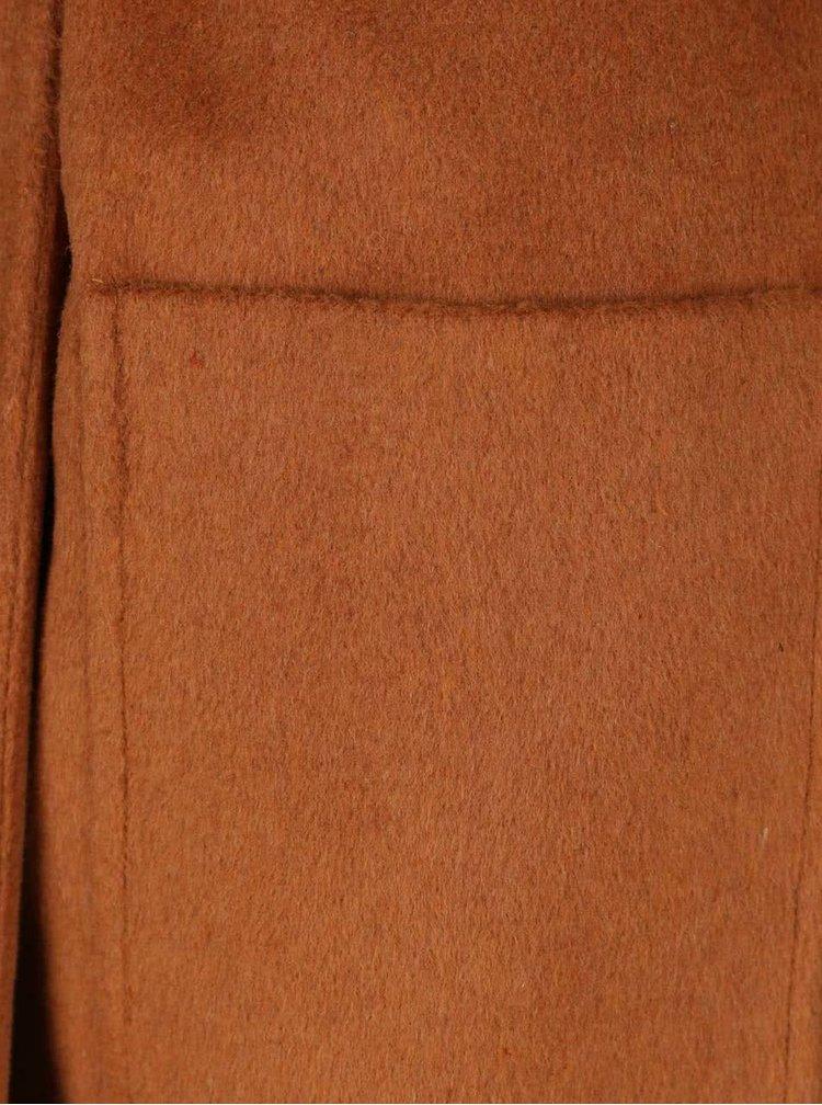 Hnedý dlhý kabát s opaskom, vreckami a rozparkami Dorothy Perkins