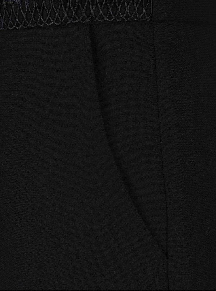 Salopetă neagră Dorothy Perkins cu detalii din dantelă
