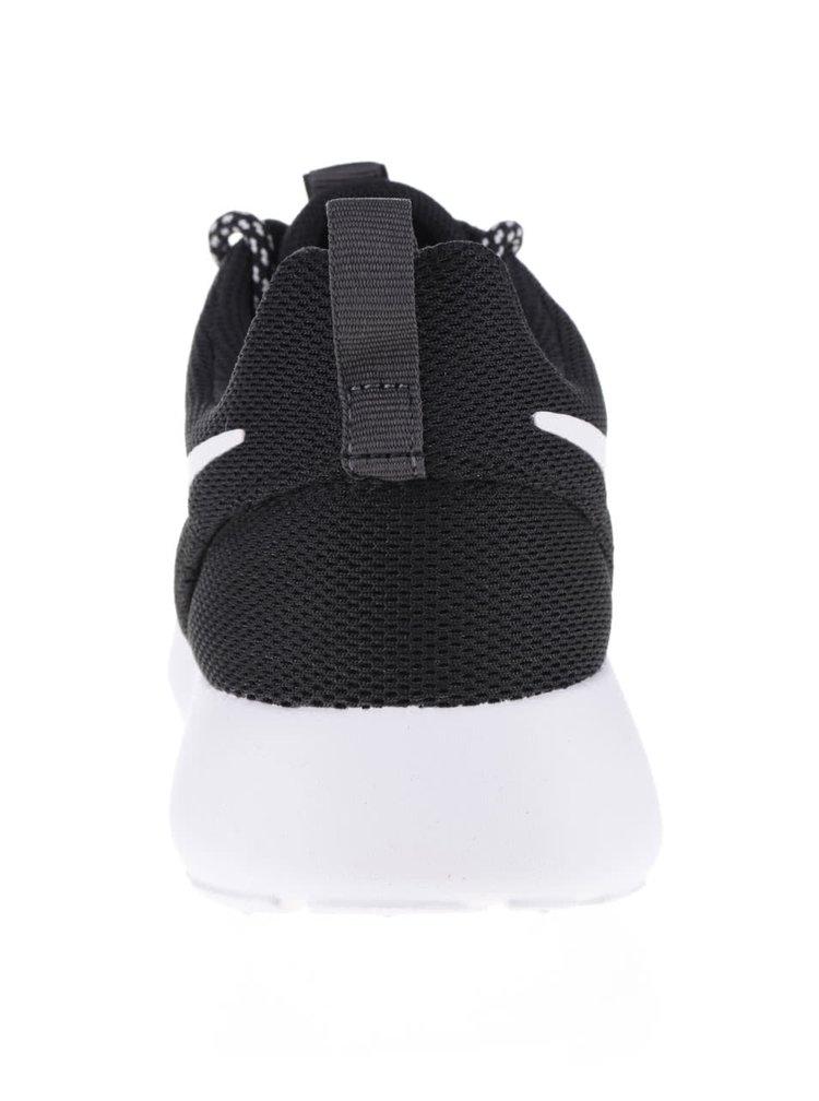 Černé dámské tenisky s bílou podrážkou Nike Roshe