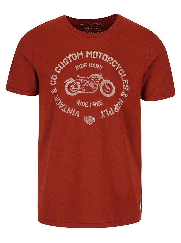 Cihlové triko s potiskem Jack & Jones Custom
