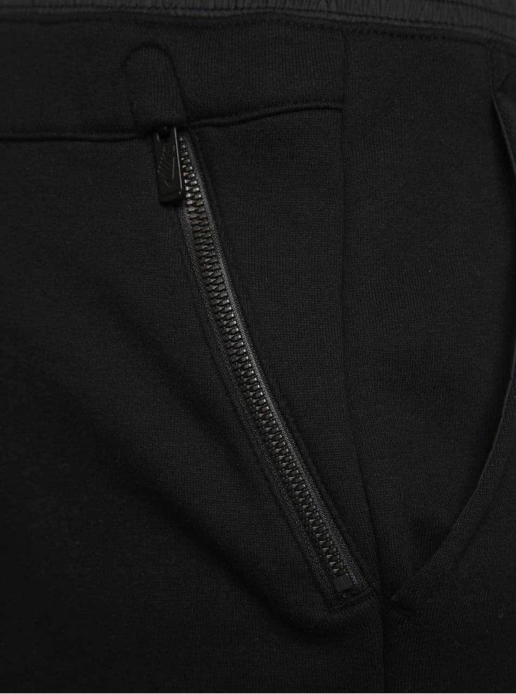 Černé pánské tepláky Nike Modern