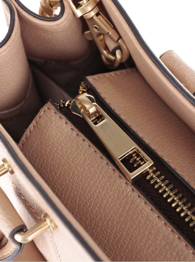 Béžová kabelka s přední kapsou a přívěškem ALDO Capricorn