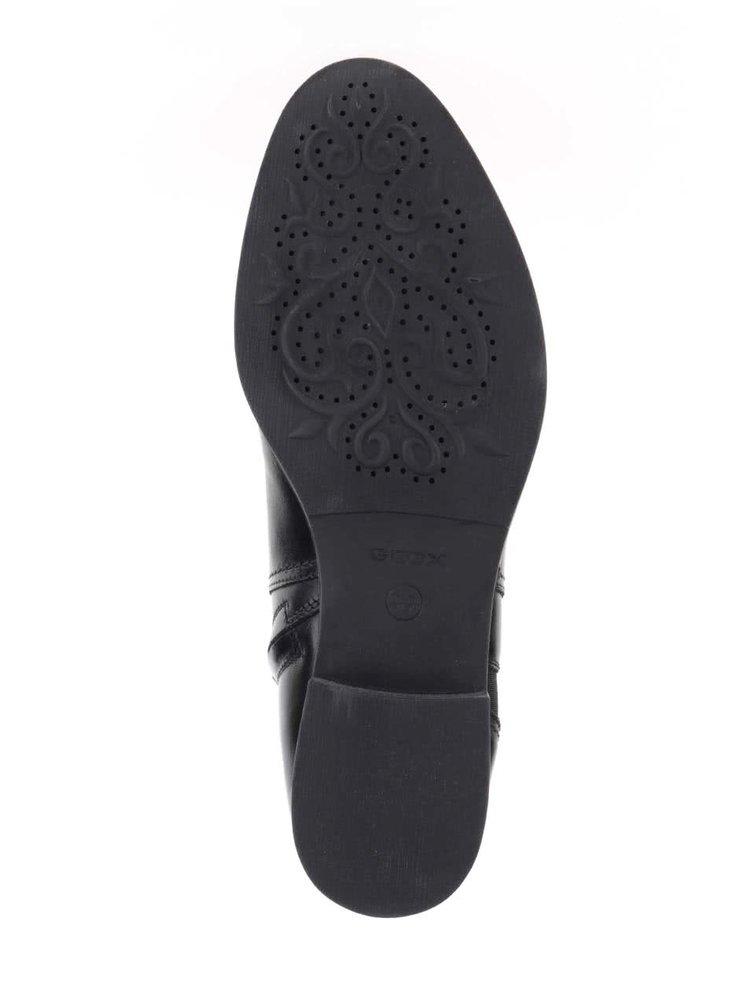 Čierne dámske členkové topánky s gumovou vsadkou Geox Mendi