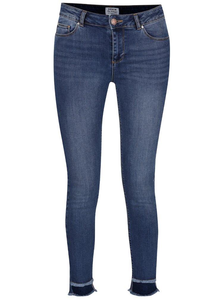 Modré skinny džíny s roztřepenými nohavicemi Miss Selfridge