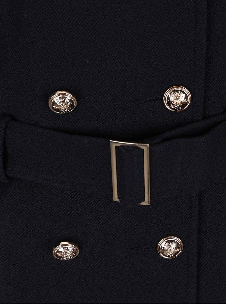 Tmavě modrý kabát s páskem Miss Selfridge