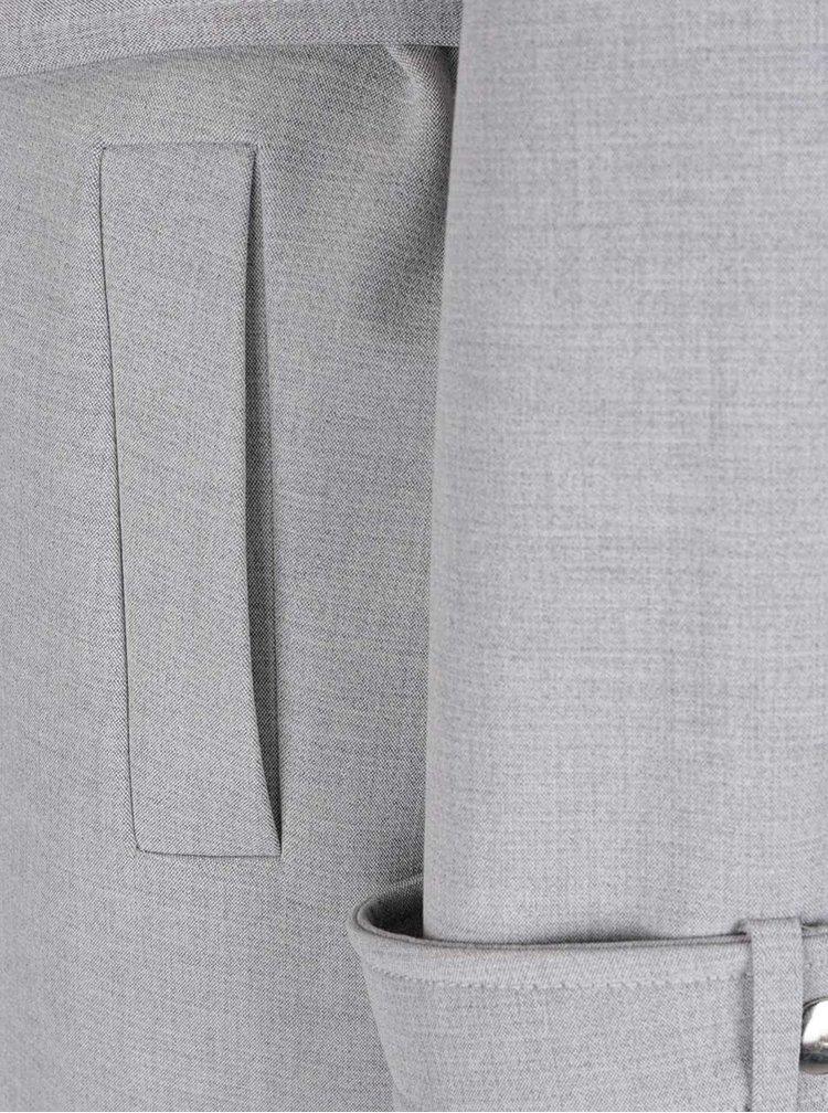 Světle šedý kabát s páskem Miss Selfridge