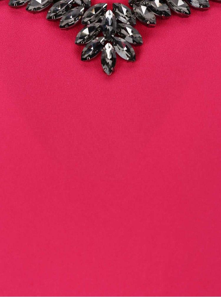 Růžové šaty s aplikací ve výstřihu Dorothy Perkins