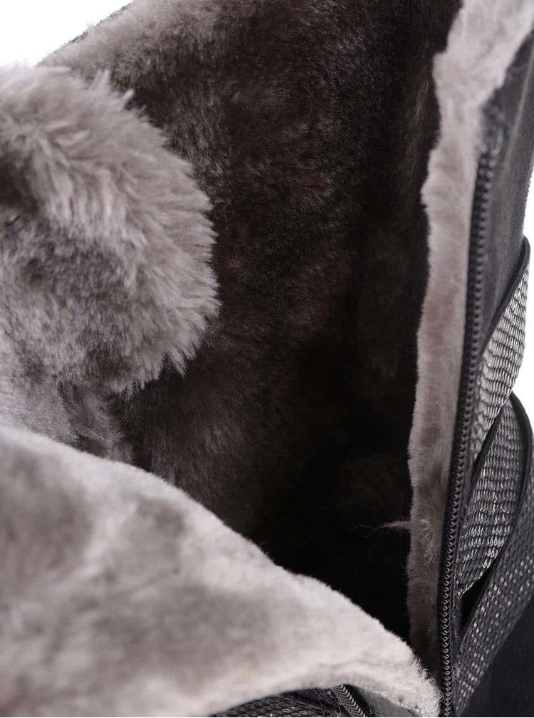 Černé dámské nízké kozačky s kožíškem s.Oliver