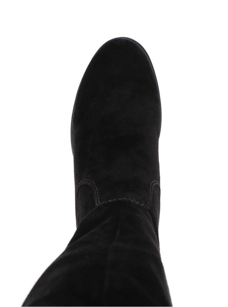Černé vysoké kozačky v semišové úpravě na podpatku Tamaris