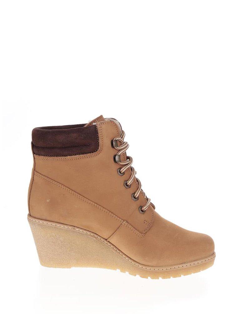 Hnědé kožené boty na klínku Tamaris