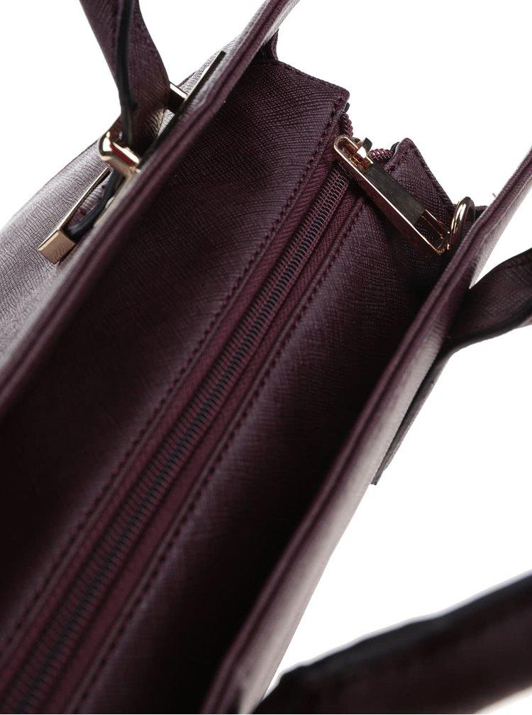 Vínová štvorcová kabelka s detailmi v zlatej farbe ALDO Queeney