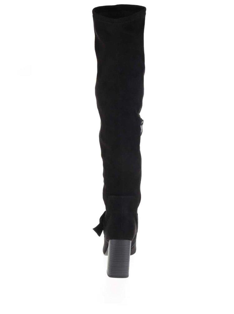 Černé vysoké kozačky v semišové úpravě Tamaris