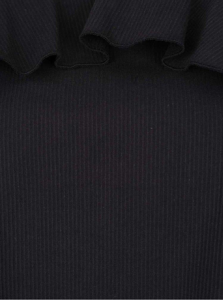 Černá volnější halenka s volánem a průstřihy na ramenou VERO MODA Blis
