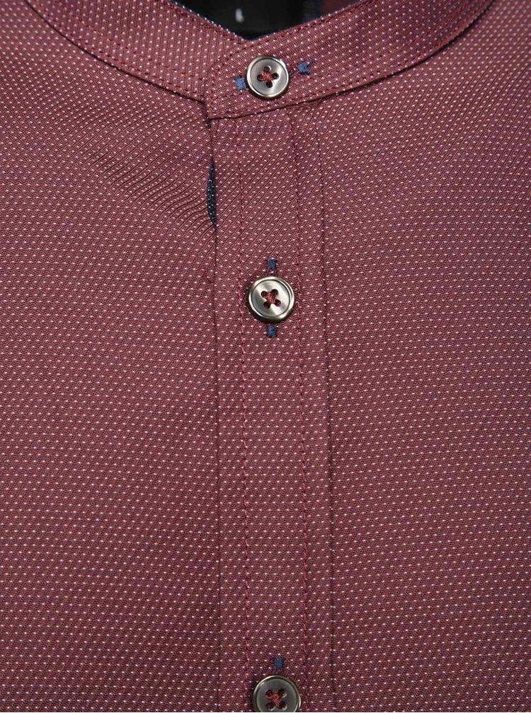 Vínová košile bez límečku s drobným vzorem Burton Menswear London