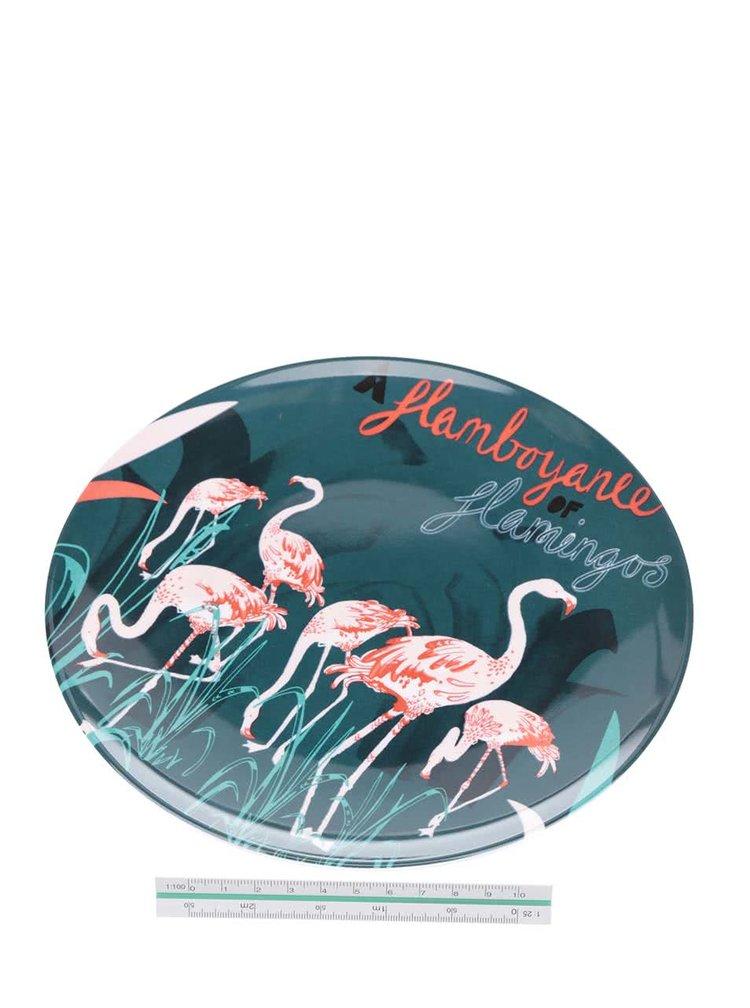 Červeno-zelený talíř s motivem plameňáků Disaster Flamingo
