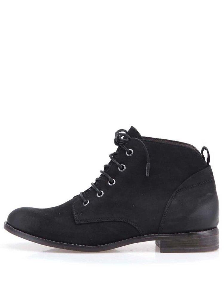 Černé kožené kotníkové boty na šněrování Tamaris
