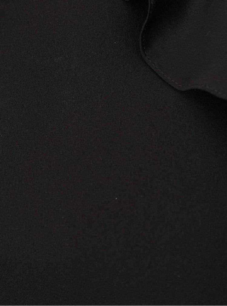 Černá halenka s průstřihy na ramenou a volánky Miss Selfridge