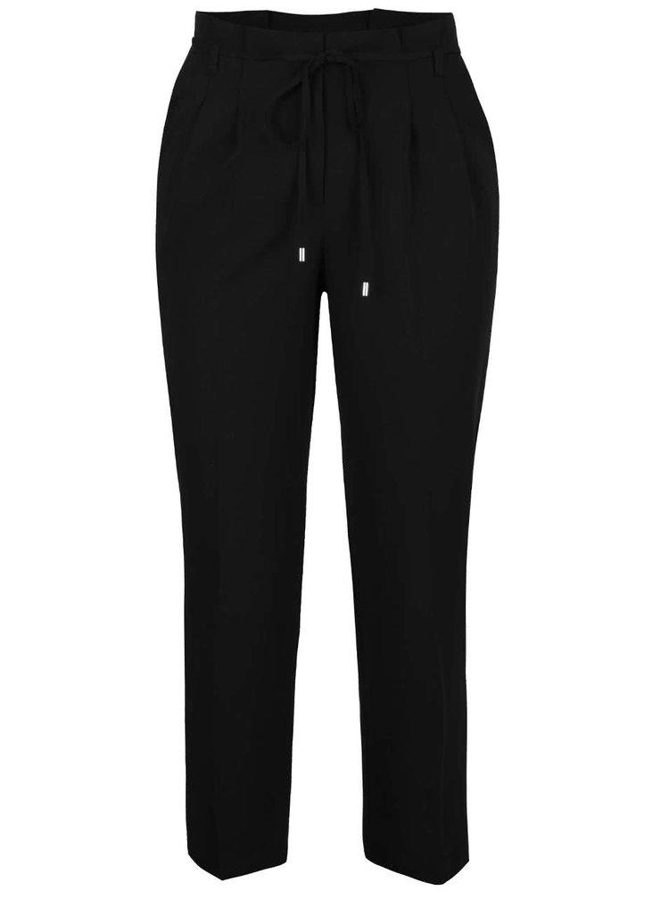 Černé volné kalhoty Miss Selfridge
