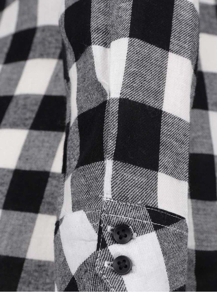 Černo-bílá dlouhá kostkovaná košile s nášivkou TALLY WEiJL