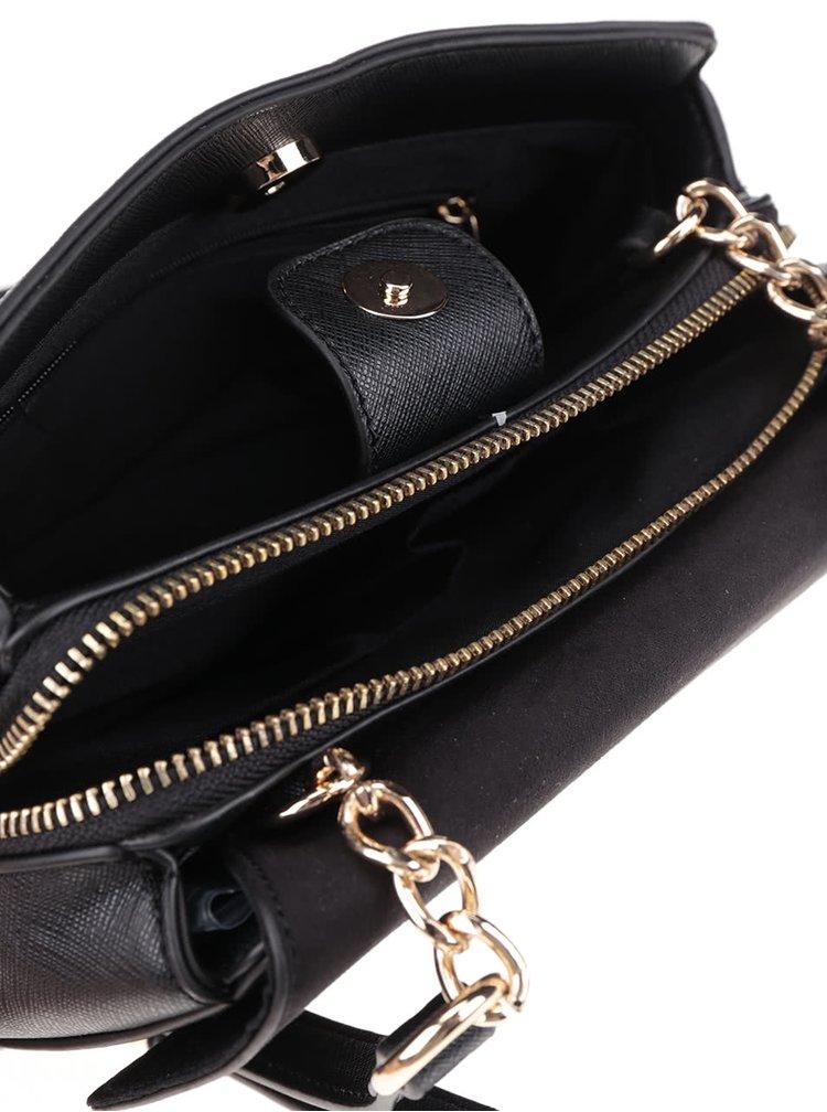 Černá crossbody kabelka v semišové úpravě s detailem Dorothy Perkins